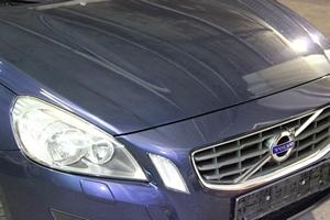 Volvo V60 Комплекс по уходу: Химчистка салона-люкс, полировка кузова, защита кузова нанокерамикой НКС, глубокая очистка дисков с керамикой C.QUARTZ UK, антидождь на лобовое стекло, чернение резины, бронирование фар антигравийной пленкой